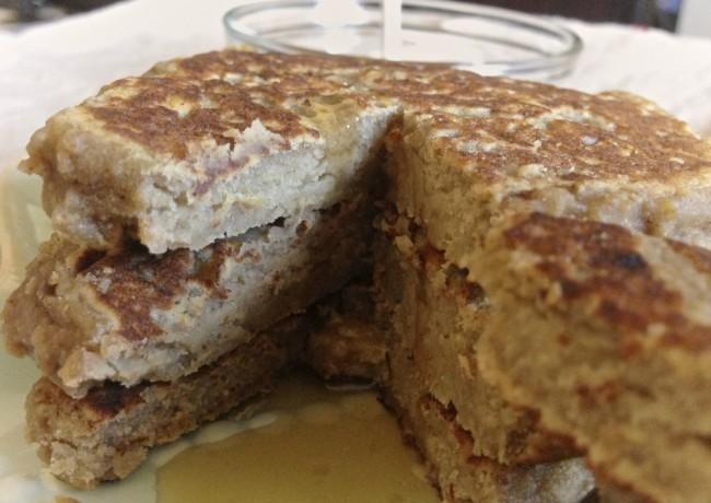 banana-bread-protein-pancakes